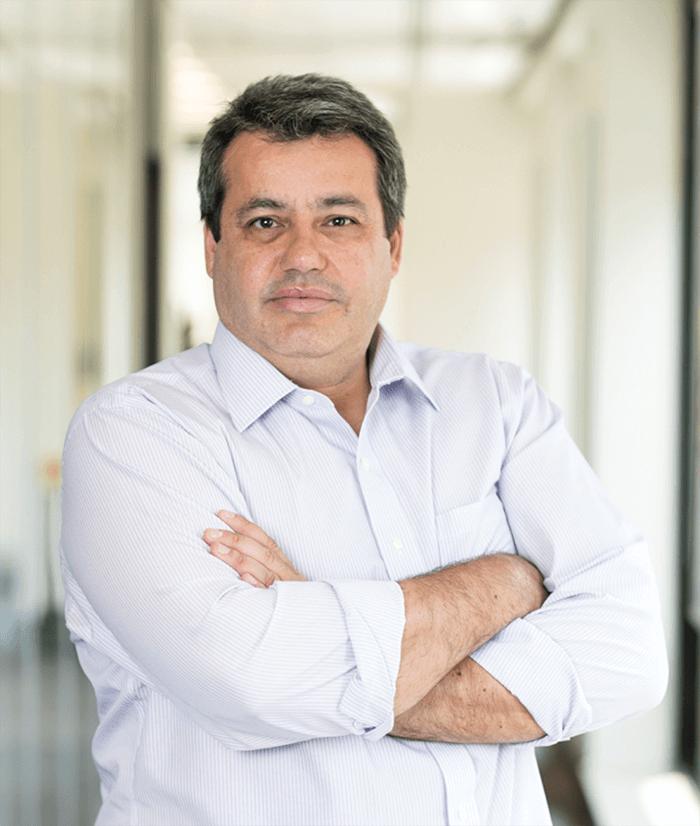 Carlos Eduardo T. de Andrade Jr - Diretor Executivo: Câmbio