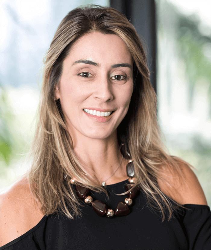 Juliana Pentagna Guimarães - Diretora Executiva: Investimentos, Relações Int. e Marketing